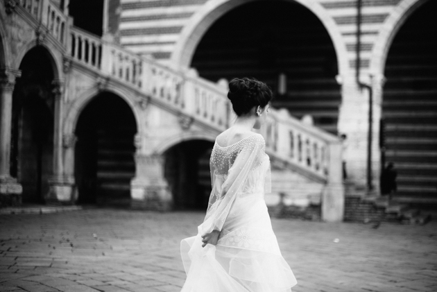 Styled shoot in Verona, Italy – Published on The Pretty Blog – Editorial