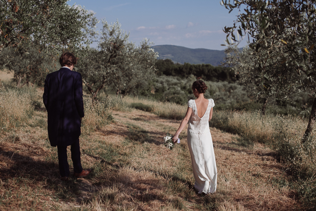 Wedding Photo Reportage in the heart of Tuscany, among olives trees, a beautiful terrace with a stunning panorama on the hills